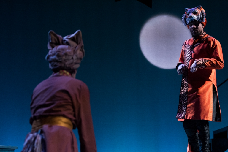 Momma wolf and Shere Kahn - The Jungle Book at IStage