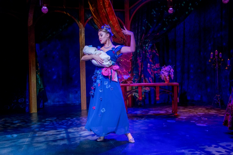 Lucina curses Ella in Ella Enchanted