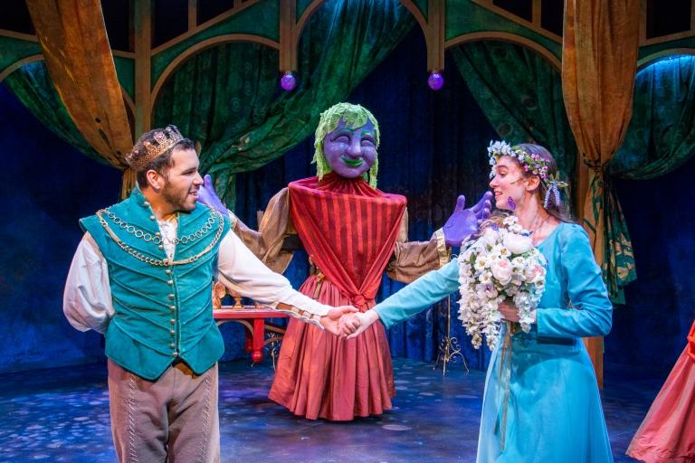 Prince Char and Ella marry in Ella Enchanted